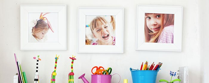 מדפי תמונות משפחתיות